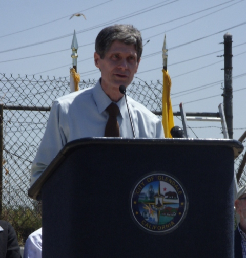 2011 04 14 John A at Glendale Riverwalk Groundbreaking (2)